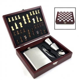 WINE CHESS FLASK GIFT SET
