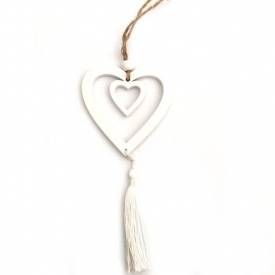 WOODEN HEART WITH TASSLE WHITE