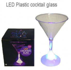 FLASHING MARTINI GLASS